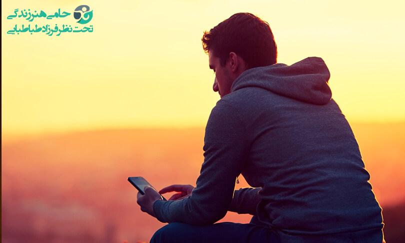 علت احساس تنهایی   با علائم و روش های مقابله با این حس آشنا شوید