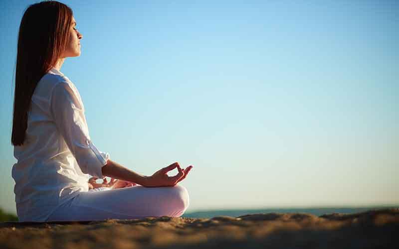 درمان بی خوابی | چگونه سریع خوابمان ببرد؟ تکنینک تنفس 4-7-8