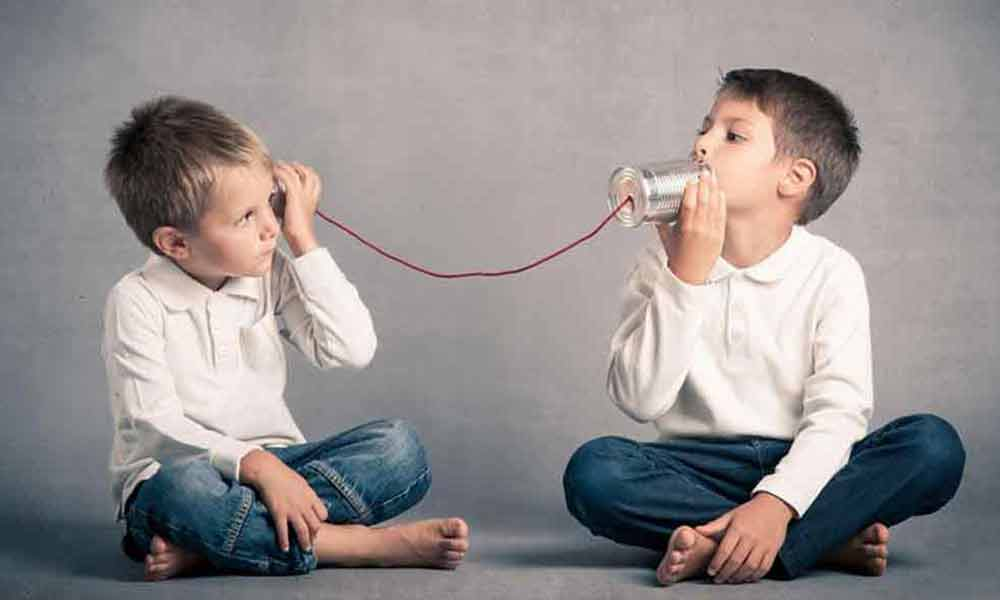 اختلال گفتاری | نشانه ها، علل و درمان مشکلات گفتاری