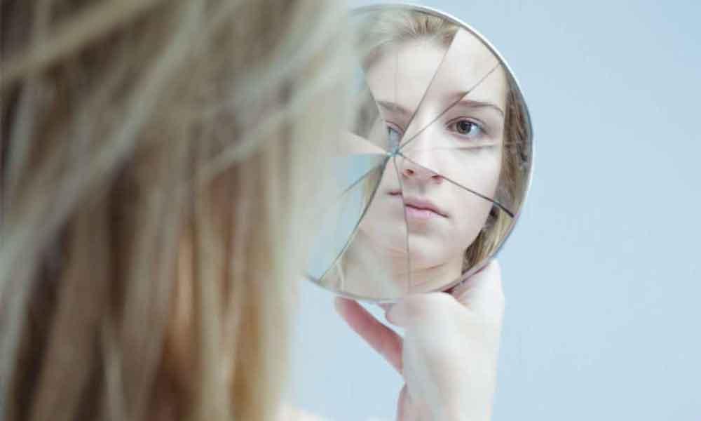 اختلالات تجزیه ای | انواع و نحوه درمان اختلالات گسستی