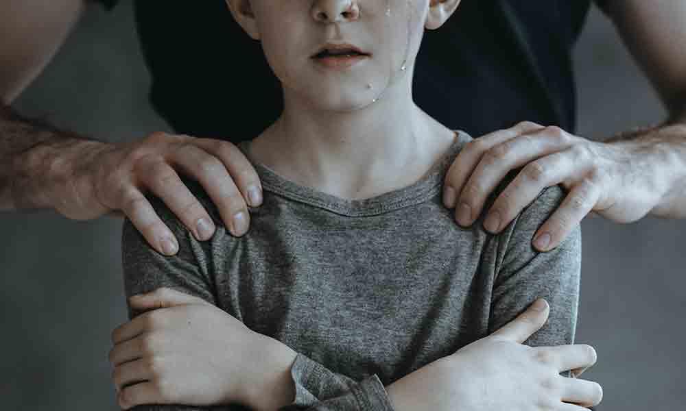 اختلال میل جنسی به کودک | علائم، علل و درمان بچه بازی
