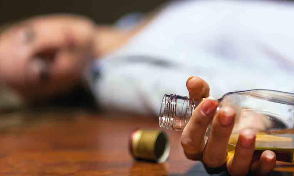 اعتیاد به الکل | نشانه ها، علل و درمان اعتیاد به الکل