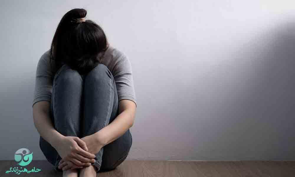 افسردگی در جوانان | علل، نشانهها و راه های مقابله
