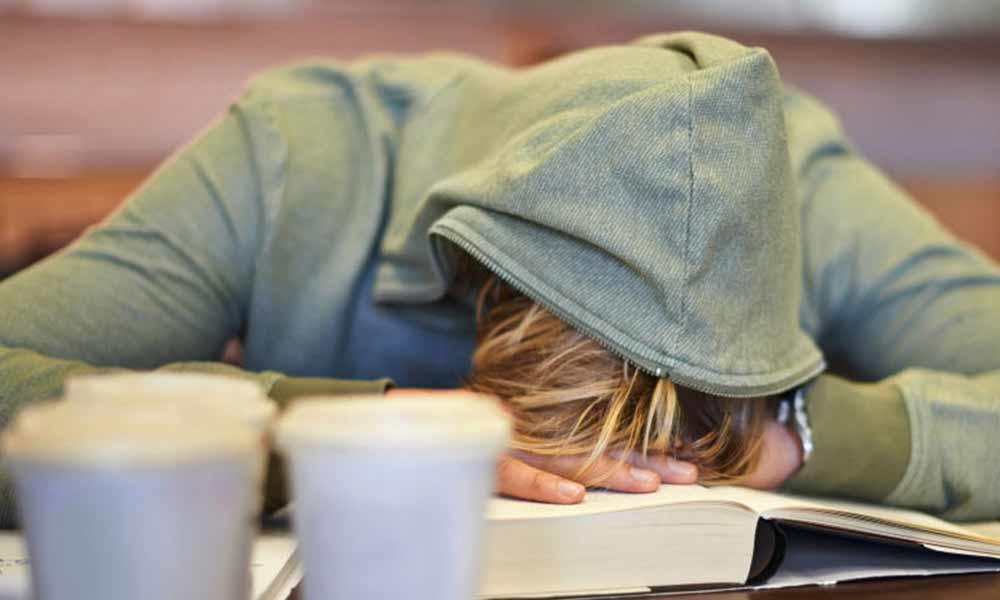 حمله خواب یا نارکولپسی چیست؟