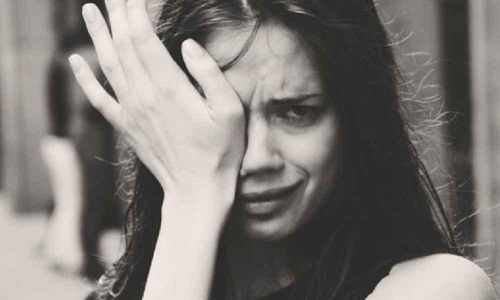 گریه کردن | فوائد و مضرات گریه کردن در زنان و مردان