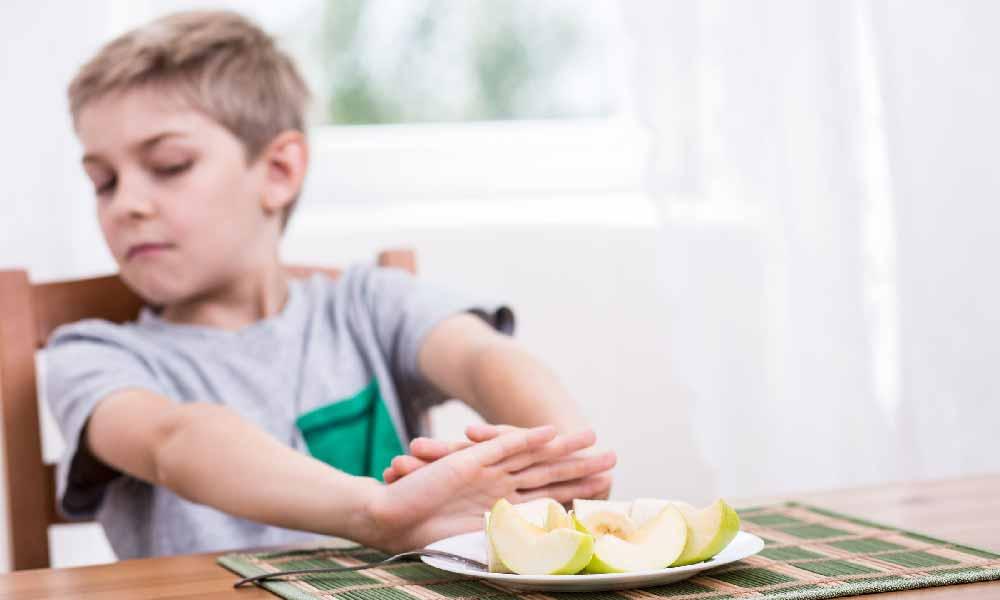 بی اشتهایی کودکان | دلایل و راه های پیشگیری از بی اشتهایی کودکان