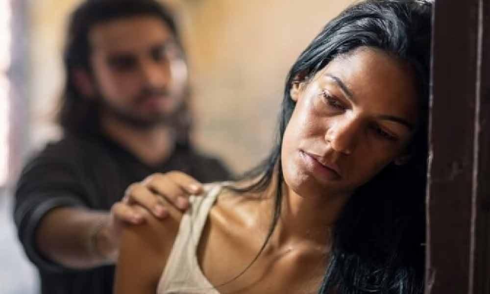 نشانه های خیانت زنان