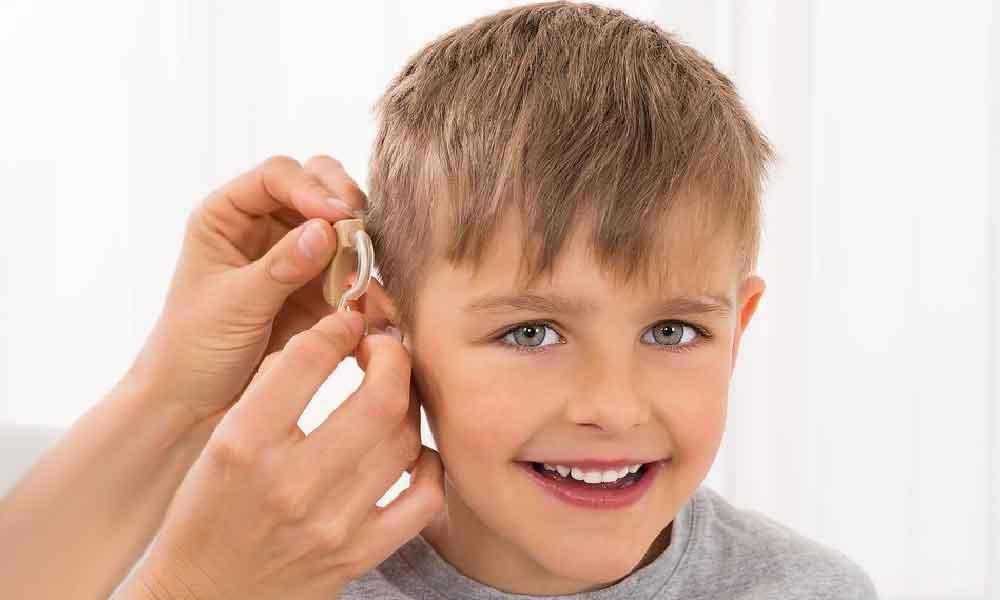 کم شنوایی کودکان | علل، نشانه ها و درمان کم شنوایی کودکان