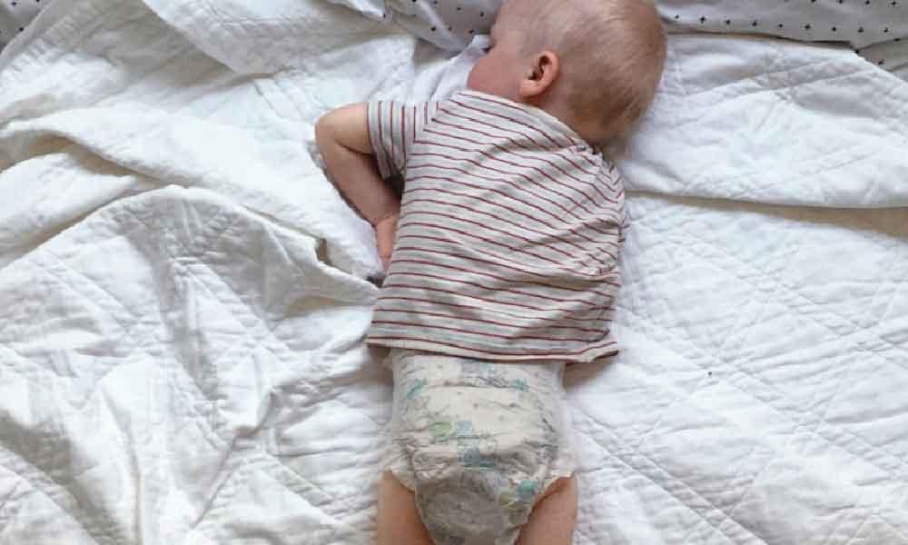 نحوه صحیح از پوشک گرفتن نوزاد | از پوشک گرفتن کودک
