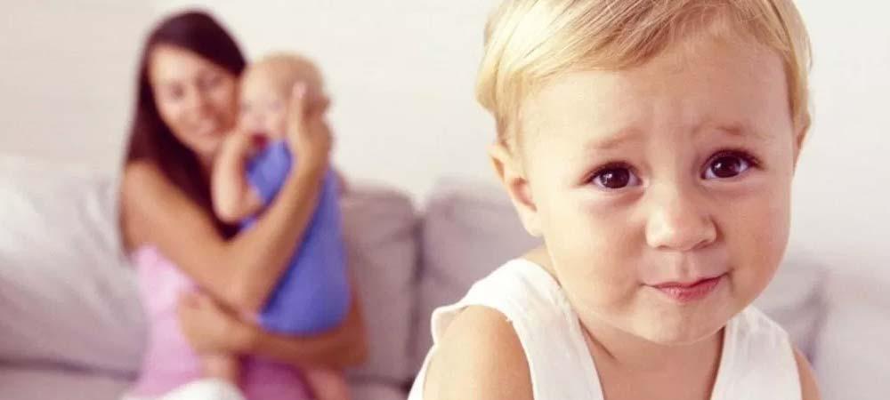 حسادت فرزند اول به چه دلیل اتفاق می افتد؟