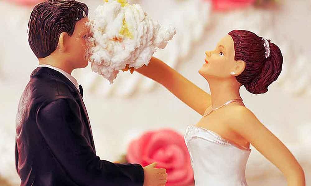 آیا با همسر سابقم ازدواج کنم؟