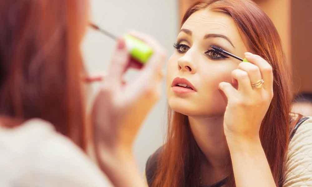 پیامد ها و دلایل آرایش زیاد زنان