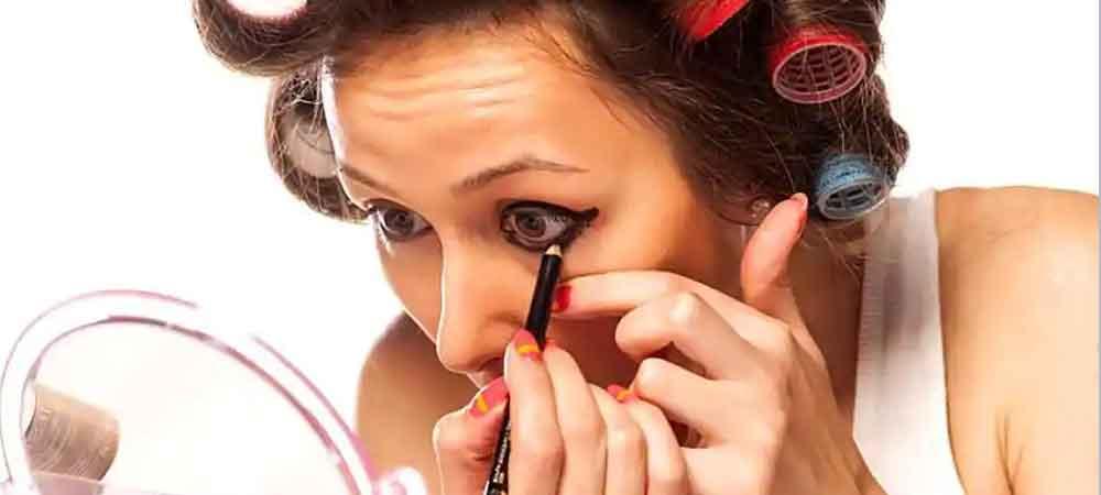 دلایل آرایش بیش از حد در زنان چیست