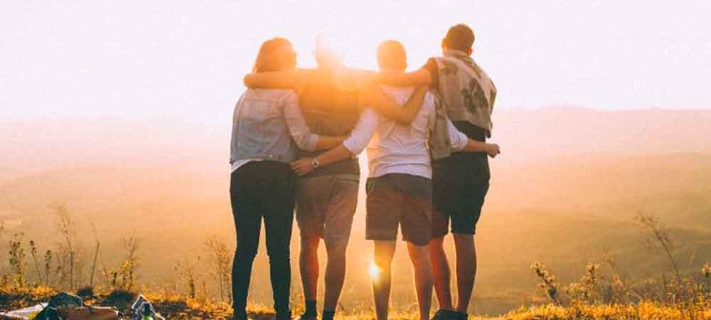 شما یک گروه کوچک از دوستان صمیمی دارید