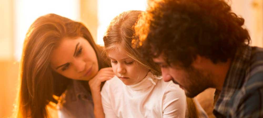 کودک را تشویق کنید با ترس هایش رو به رو شود