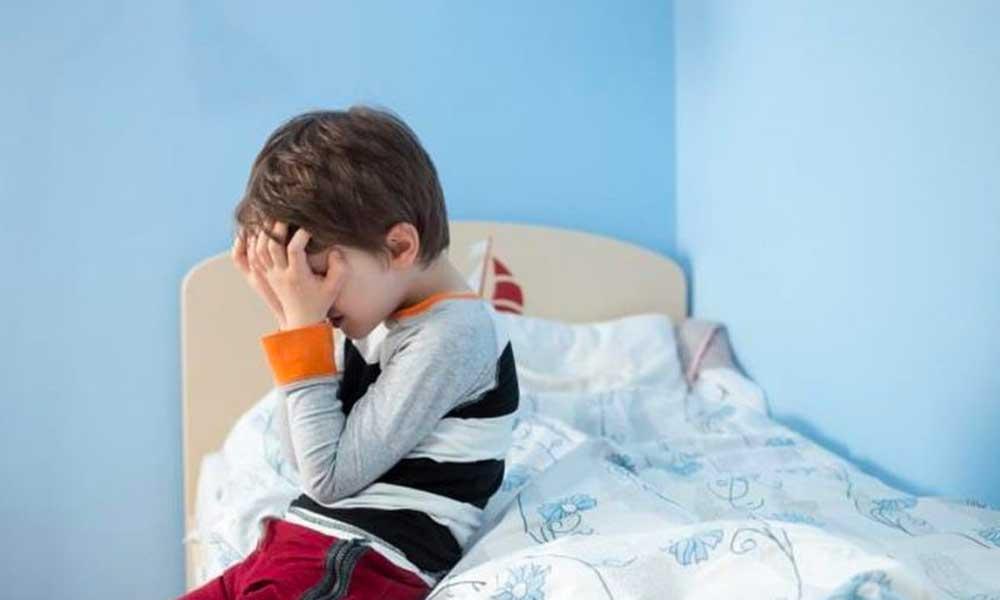 خودزنی کودک | علل و درمان خود زنی کودکان