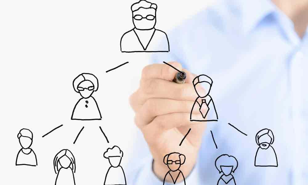 قدرت در خانواده دست چه کسی است؟