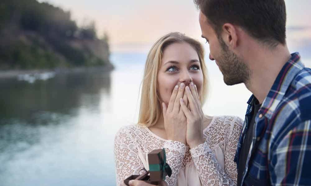 چگونه یک ارتباط عاشقانه را آغاز کنیم؟