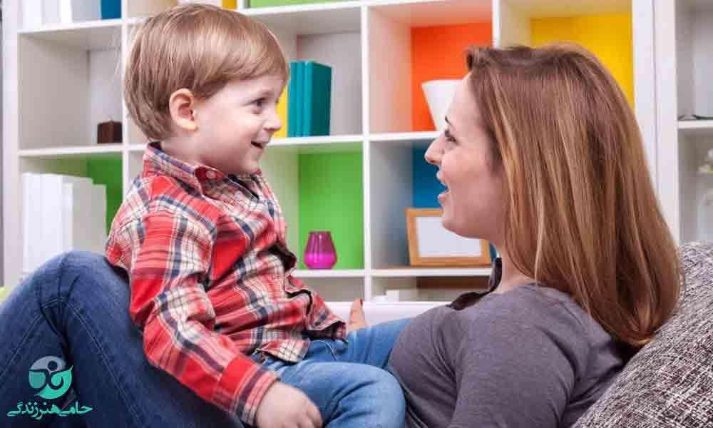 رفتار با کودک چگونه باید باشد؟ (در سنین مختلف)