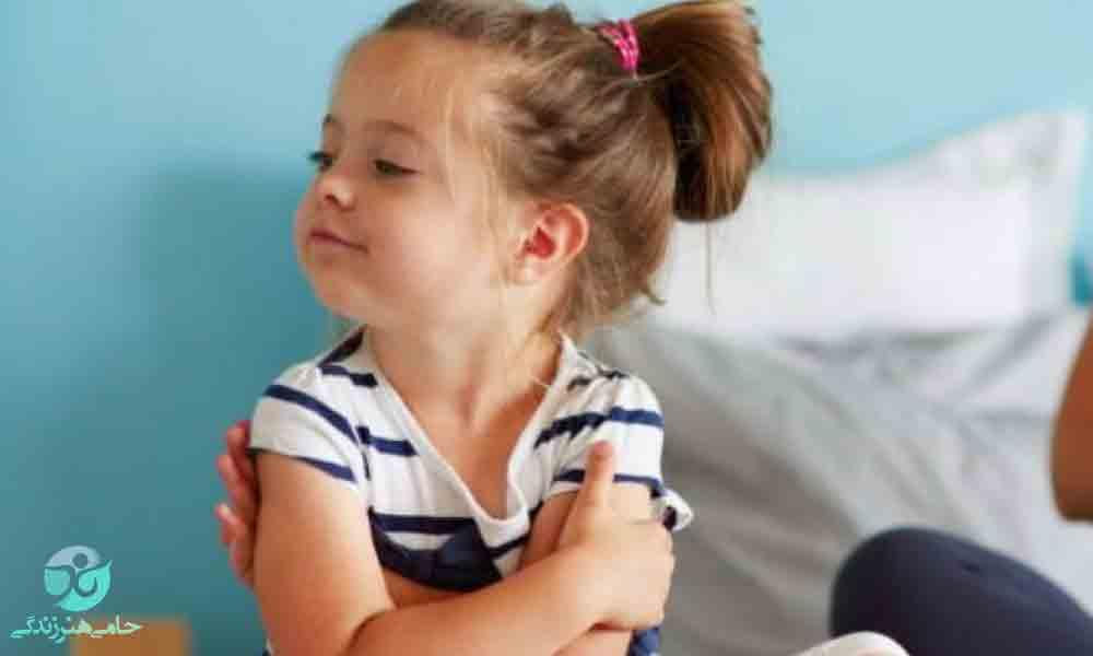 لجبازی در کودکان 2 و 3 ساله | بهترین برخورد را داشته باشید