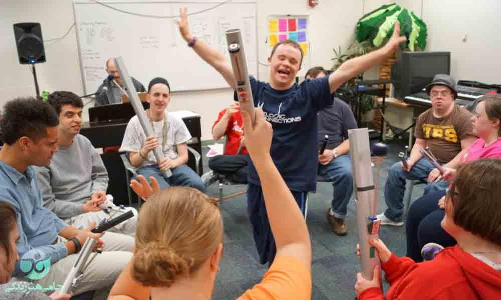 موسیقی درمانی در کودکان اوتیسم | تأثیر موسیقی در درمان اوتیسم