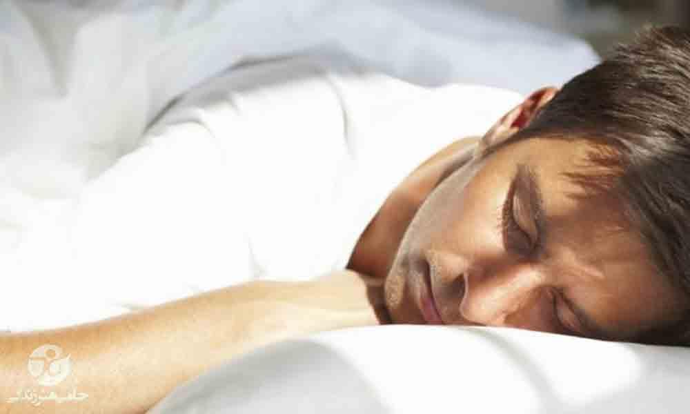 جنب شدن در خواب | علل و راههای کاهش جنب شدن در خواب