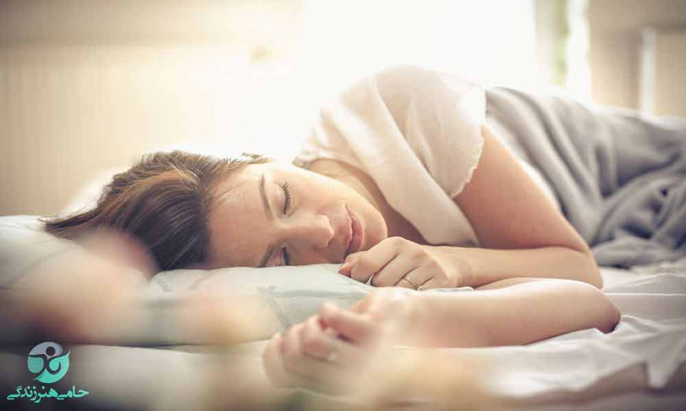 علت خواب زیاد چیست؟ | علل و راهکارهای تنظیم خواب زیاد