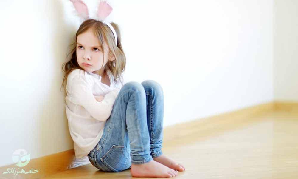 جلب توجه در کودکان | دلایل و نحوهی برخورد با توجه طبی کودک