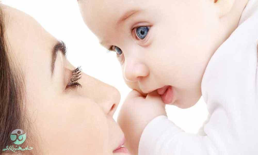 تقویت هوش نوزاد | چگونه به پرورش هوش نوزاد کمک کنیم؟