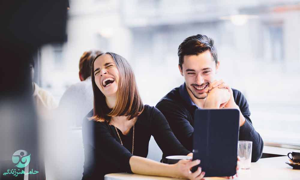 خوشحال کردن زنان | راههای خوشحال کردن خانمها