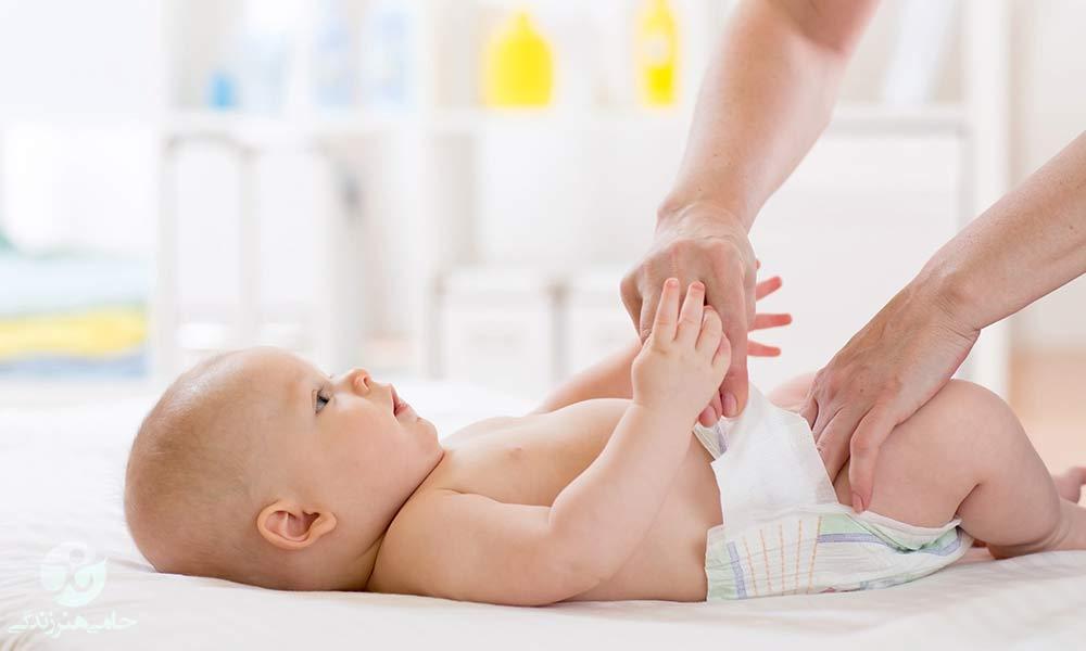 مدفوع سبز در نوزاد | چرا رنگ مدفوع نوزاد سبز است؟