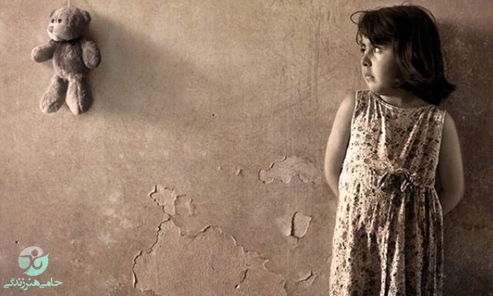 کودکان بی سرپرست | نوع برخورد مناسب با این کودکان چگونه باید باشد؟