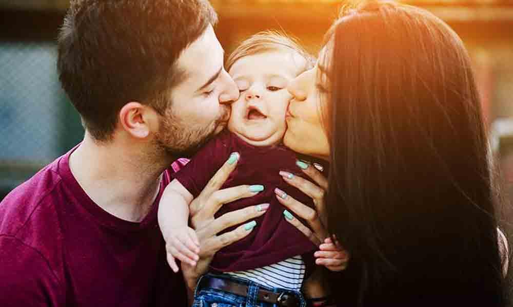 رشد کودک یک ساله | مراحل رشد روحی و جسمی کودک در یک سالگی