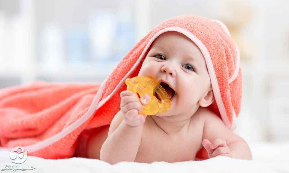 گاز گرفتن کودک | علت گاز گرفتن کودک و راهکارهای جلوگیری از آن