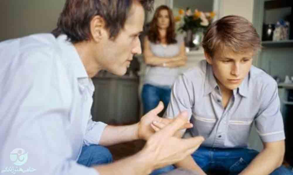 پسر نوجوان چه تغییراتی را تجربه می کند و چگونه باید او را درک کرد؟