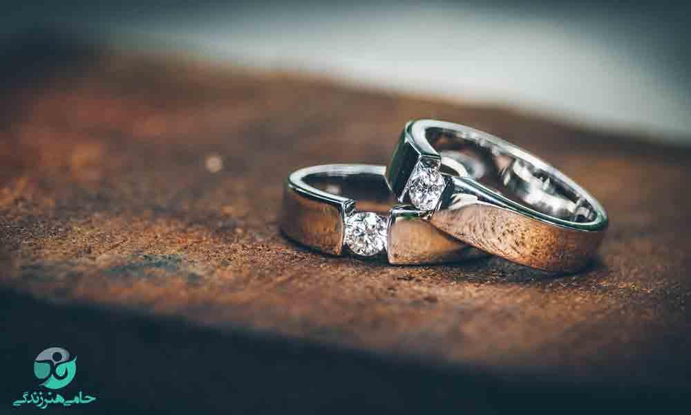 ازدواج با مرد کوچکتر از خود چه ایرادی دارد؟