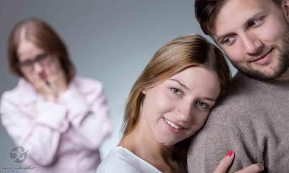 مادر شوهر حسود | نحوه برخورد مناسب با حسودی مادر شوهر