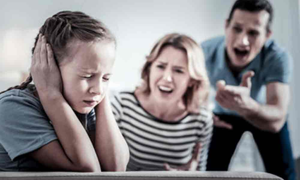 نحوه کنترل خشم در مقابل کودکان
