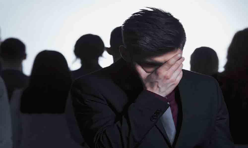فوبیای اجتماعی | علایم، علل و درمان اختلال اضطرابی اجتماعی