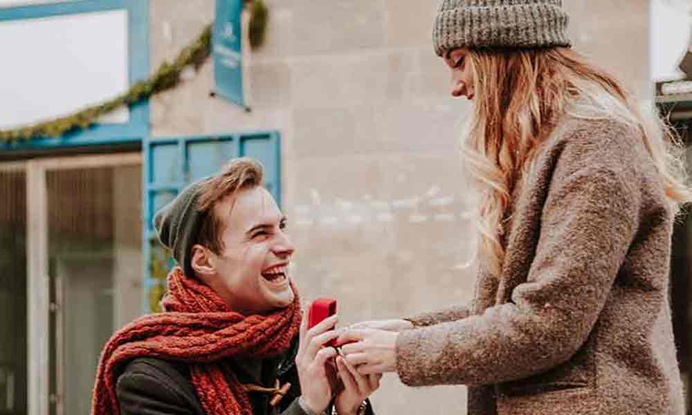 دوستی های قبل از ازدواج | فواید تا پیامدهای دوستی های مجردی