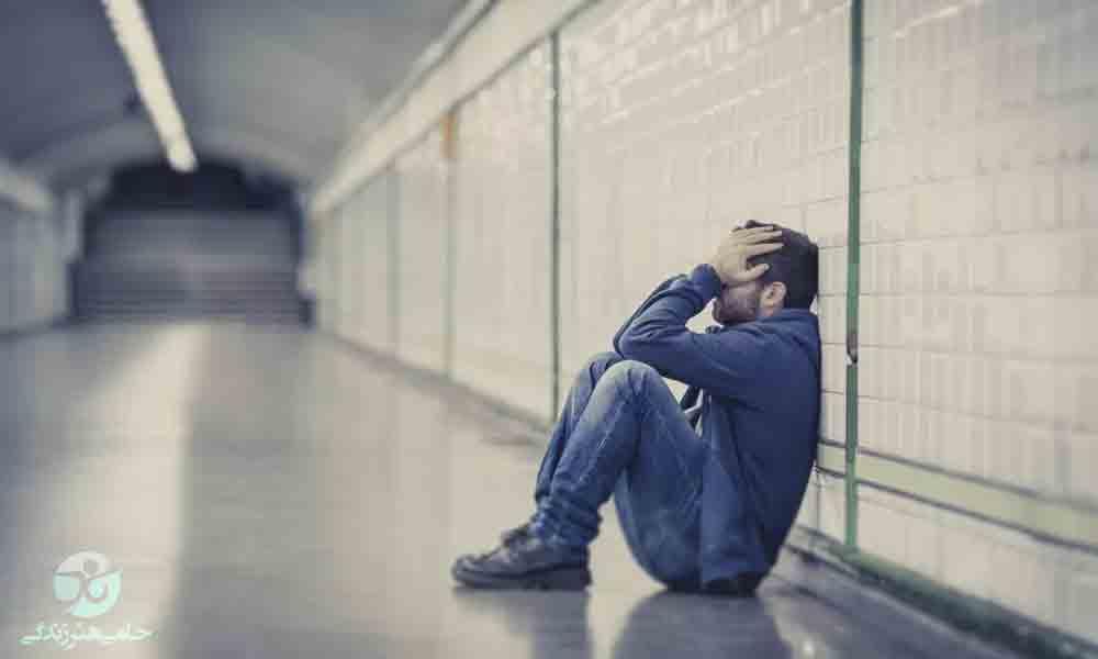 عوامل تحریک کننده افسردگی | ۵ عامل اصلی را بشناسید