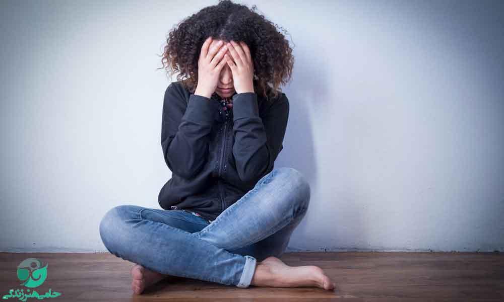مشکل با قیافه در بلوغ | علت مشکل نوجوانان با ظاهرشان