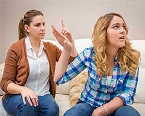 احساس تنفر و خشم از پدر و مادر