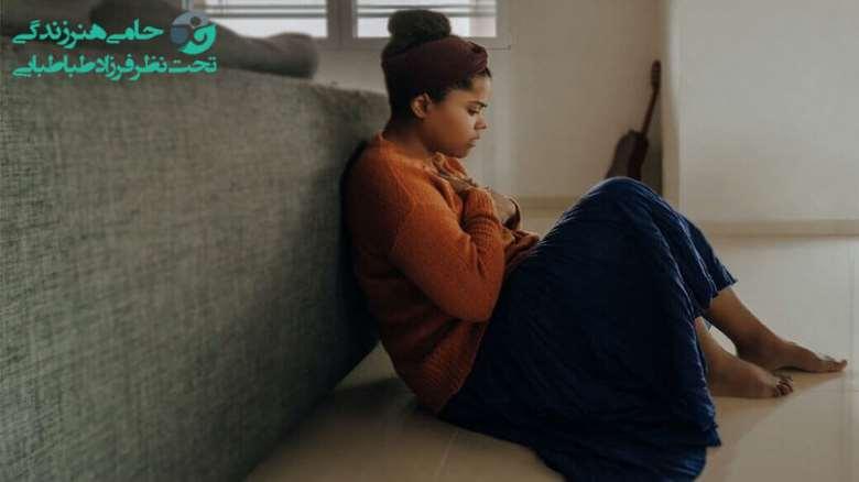 نشانه های اضطراب در نوجوانان   علت ها و راهکار های درمان