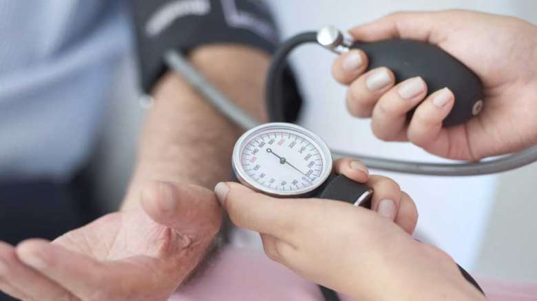 فشار خون پایین | علائم، علل و درمان فشار خون پایین