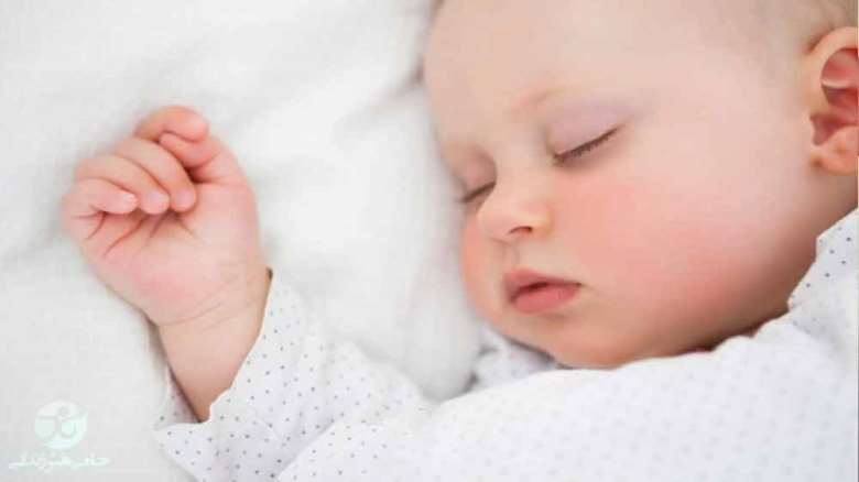 از خواب پریدن نوزاد | اصلی ترین دلایل از خواب پریدن در نوزادان