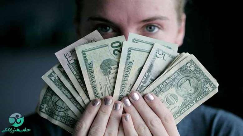 آیا پول خوشبختی می آورد | ارتباط بین پول و خوشبختی چیست؟