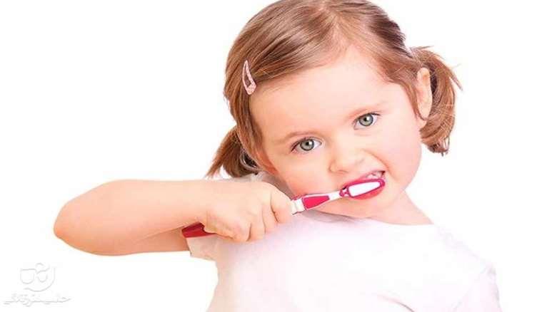 مراقبت از دندان شیری | اهمیت و نحوه مراقبت از دندانهای شیری