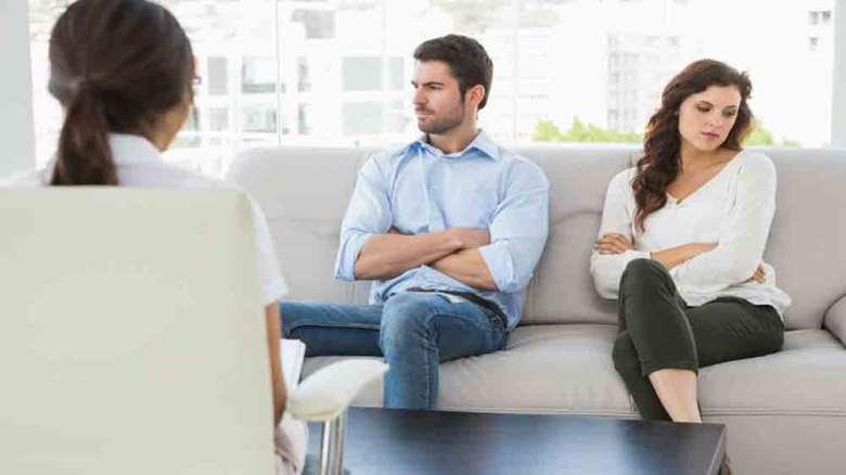 مشاوره خیانت همسر تلفنی | اهمیت مشاوره خیانت در تصمیمگیری آینده