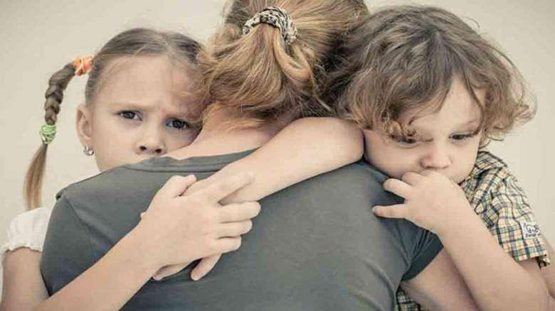 درمان وابستگی کودک   راه هایی برای کم کردن وابستگی کودکان